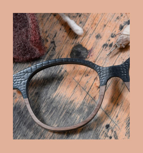 inspiration-lunettes-gold-and-wood